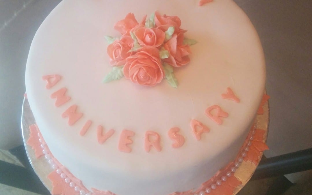 Pictures Of Dainty Birthday Cakes For Facebook